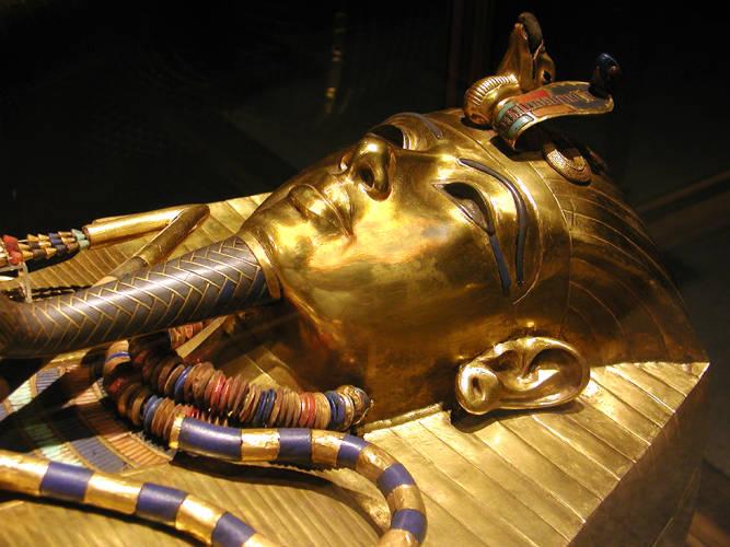 Ataud de oro de tutankamon